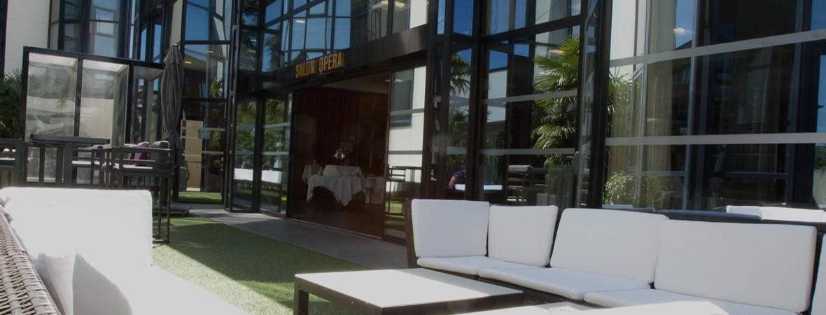 slide-2-hotel